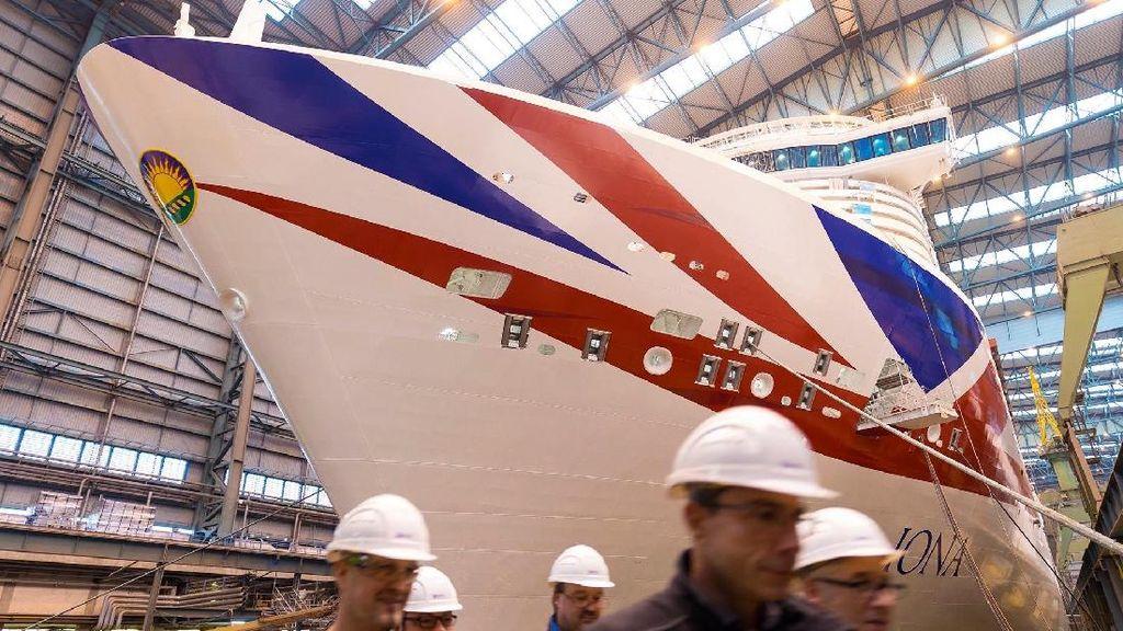 Potret Iona, Kapal Pesiar Super Besar dari Inggris Berkapasitas 7.000 Orang