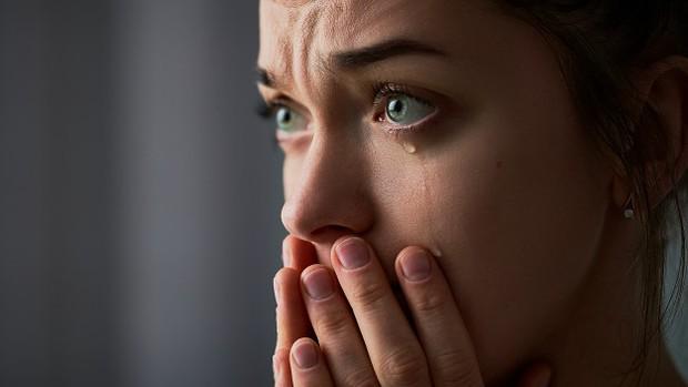 . Setelah menangis, endorfin, pereda nyeri alami tubuh juga disebut hormon kebahagiaan dirangsang dan dilepaskan ke dalam tubuh.