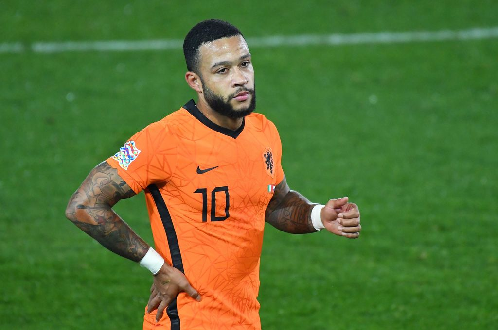 BERGAMO, ITALY - OCTOBER 14:  Memphis Depay of Netherlands  reacts during the UEFA Nations League group stage match between Italy and Netherlands at Stadio Atleti Azzurri d'Italia on October 14, 2020 in Bergamo, Italy. (Photo by Alessandro Sabattini/Getty Images)