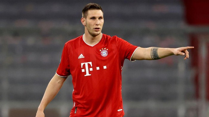 MUNICH, GERMANY - OCTOBER 21: Niklas Süle of FC Bayern München gives instructions during the UEFA Champions League Group A stage match between FC Bayern Muenchen and Atletico Madrid at Allianz Arena on October 21, 2020 in Munich, Germany. (Photo by Alexander Hassenstein/Getty Images)