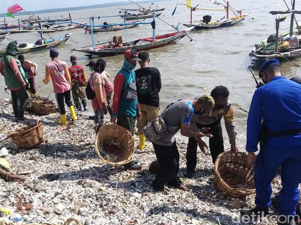 Waspada Ombak Besar Susulan di Kenjeran, Pemkot Surabaya Siapkan Pengungsian