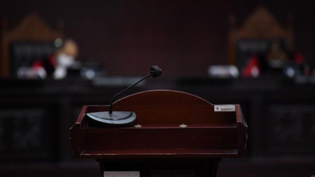 UU Cipta Kerja Mulai Disidangkan di MK