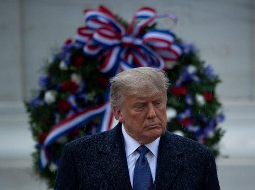 Tampil Perdana Usai Kalah dari Biden, Trump Hadiri Perayaan Hari Veteran