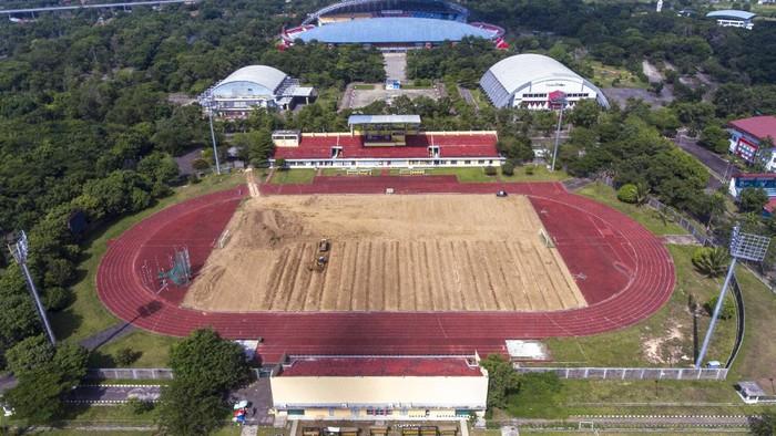 Arena atletik Jakabaring Sport City di Palembang direnovasi. Hal itu dilakukan karena arena itu akan dijadikan stadion latihan tuan rumah Piala Dunia U-20 2021.