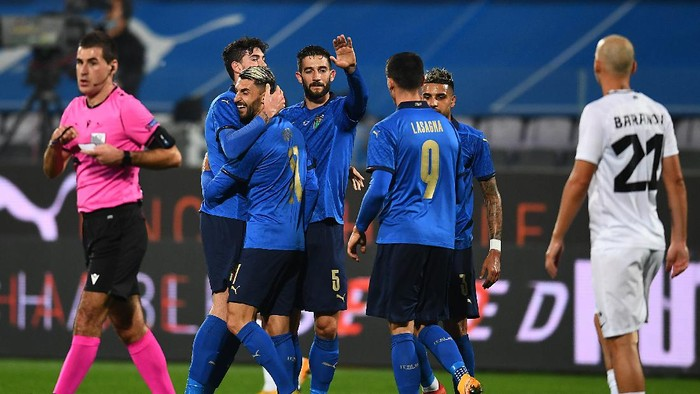 FLORENCE, ITALY - NOVEMBER 11: Vincenzo Grifo celebrates after scoring his teams first goal during the international friendly match between Italy and Estonia at Stadio Artemio Franchi on November 11, 2020 in Florence, Italy. (Photo by Claudio Villa/Getty Images)