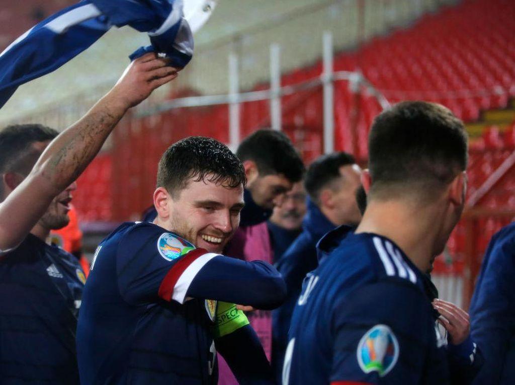 Cerita Cinderella Robertson Berlanjut: Bawa Skotlandia ke EURO 2020