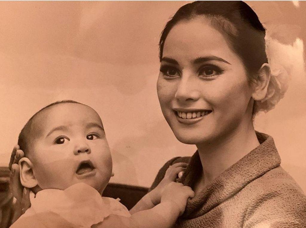 Potret Cantik Dewi Sukarno di Usia 27 Saat Hidup Dalam Pengasingan