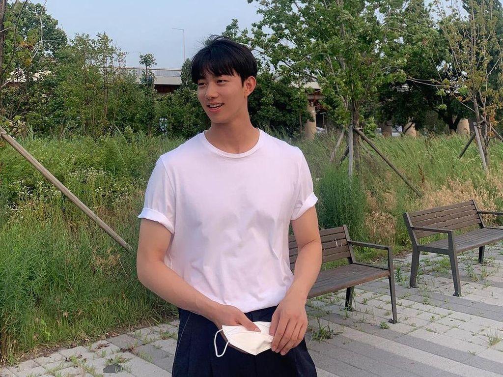 Potret Ki Do Hoon, Aktor Korea Ganteng yang Jadi Model Video Klip Rossa