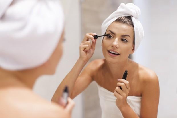 Produk kosmetik pertama yang memiliki jangka umur pendek adalah maskara.