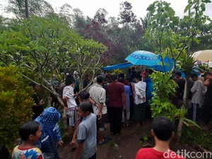 Anggota DPRD Malang yang Meninggal Kecelakaan Dimakamkan
