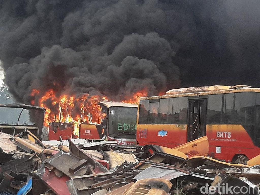Pemprov DKI: Bus Terbakar di Bogor Bukan Milik TransJakarta