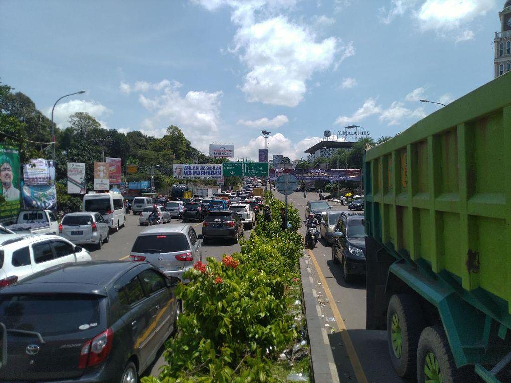Pengumuman! Jalur Puncak Bogor Ditutup 12 Jam pada Malam Tahun Baru 2021