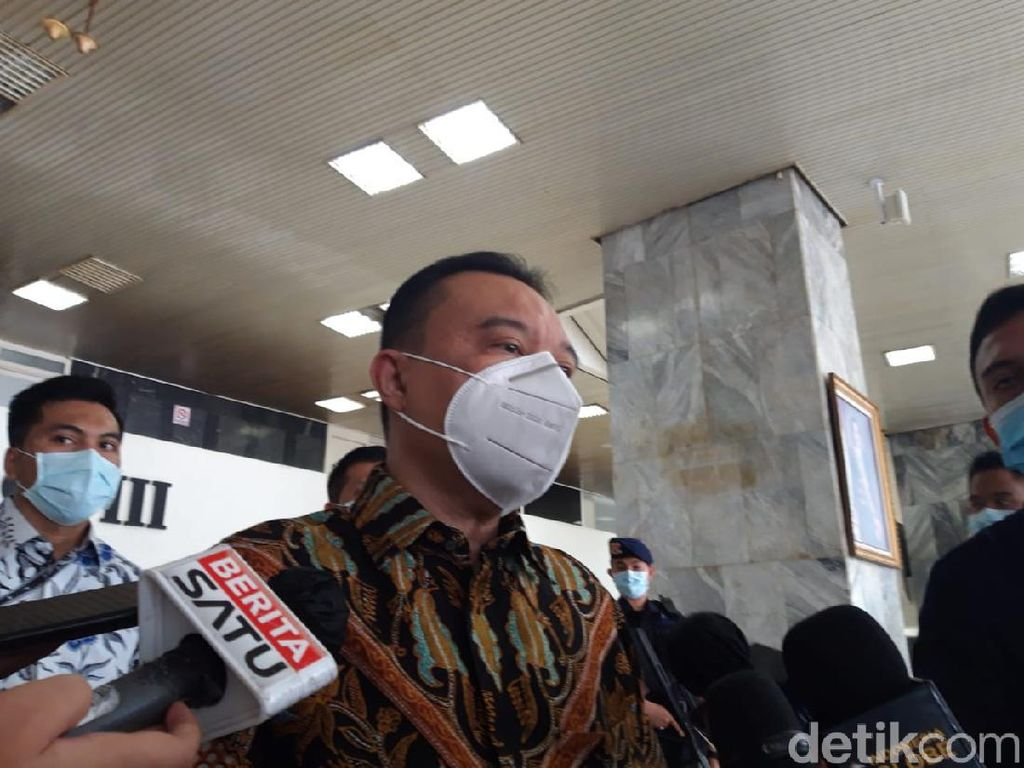 Gerindra Heran Qodari Dorong Jokowi-Prabowo Vs Kotak Kosong 2024