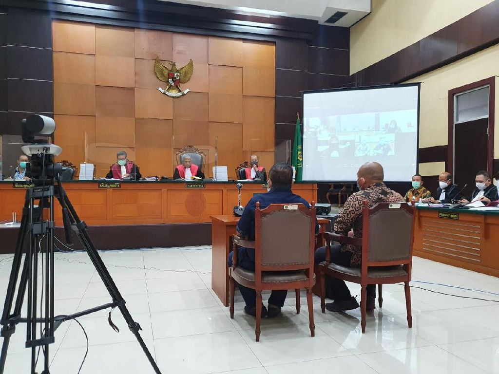 Hakim Semprot Tommy Sumardi Gegara Jawab Tak Tahu soal Djoko Tjandra Buron