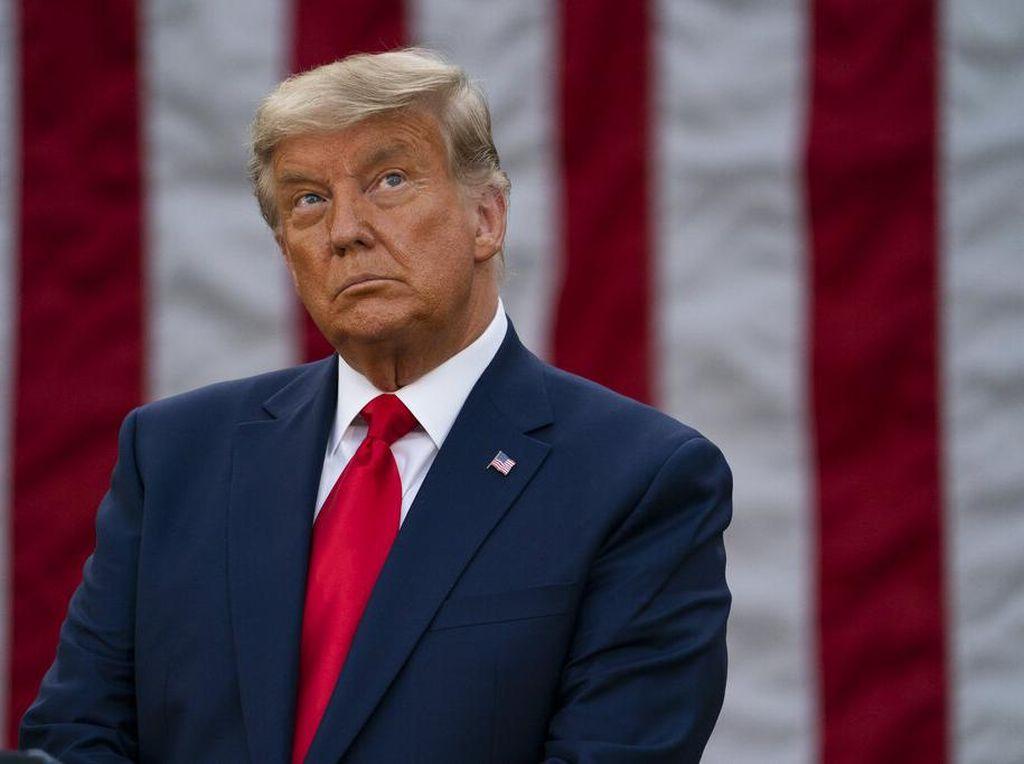 Trump Mau Selamatkan Industri Batu Bara, Tapi...