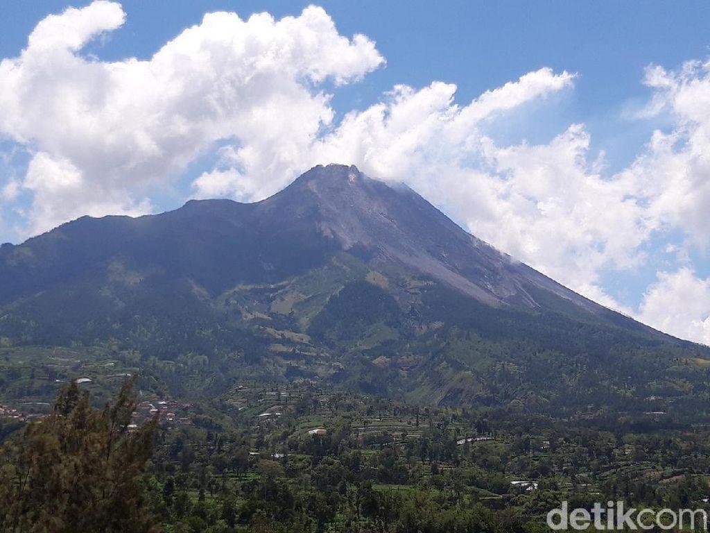 Kegempaan-Deformasi Gunung Merapi Masih Meningkat
