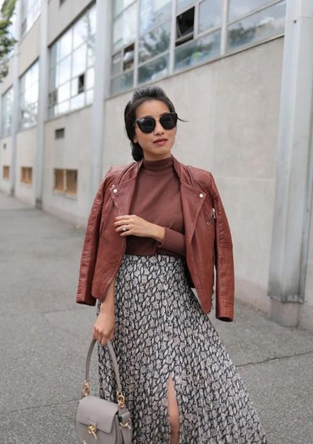 Jaket kulit akan membantu menyempurnakan tampilan walupun hanya memakai kaus biasa dan jeans.