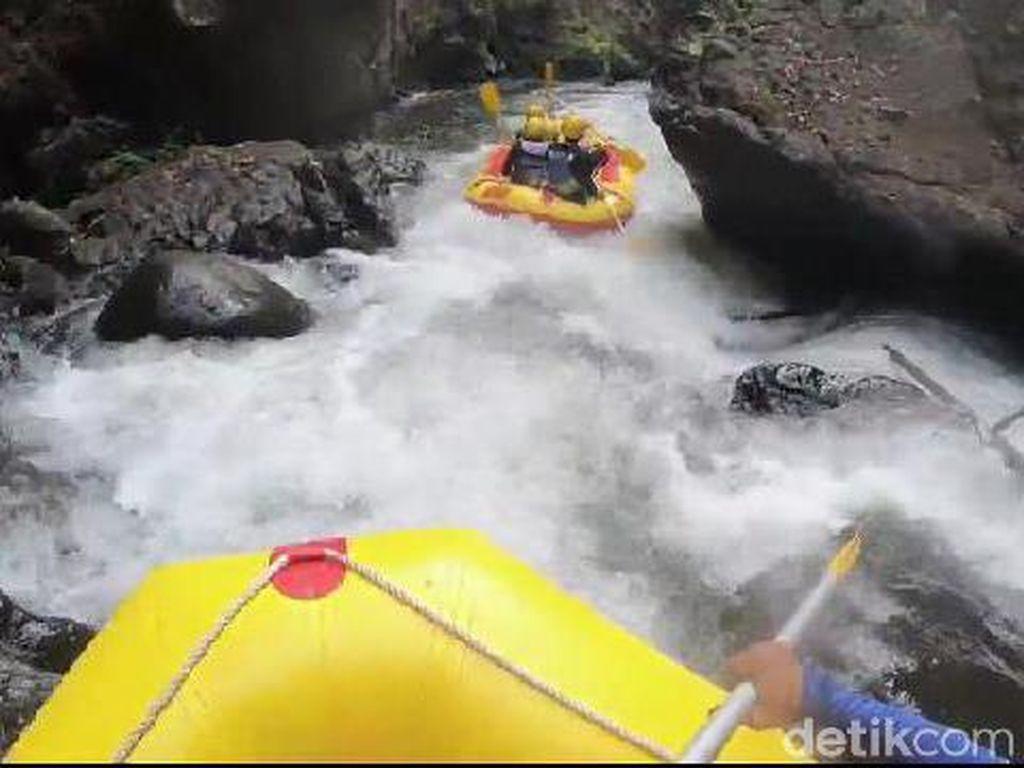 Serunya Rafting di Sungai Pekalen Probolinggo