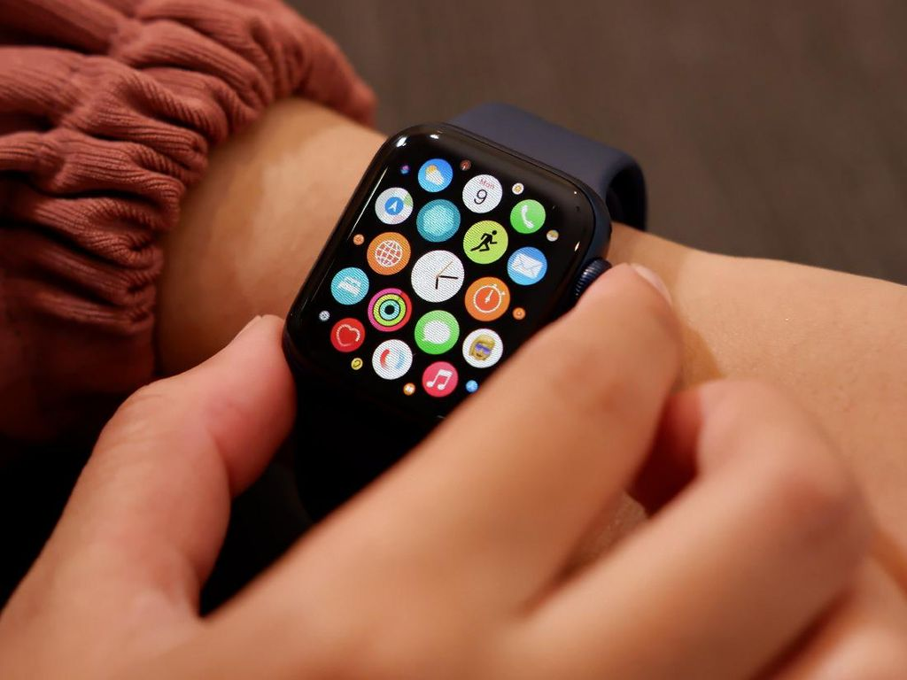 Apple Watch Bakal Bisa Pantau Tekanan Darah?