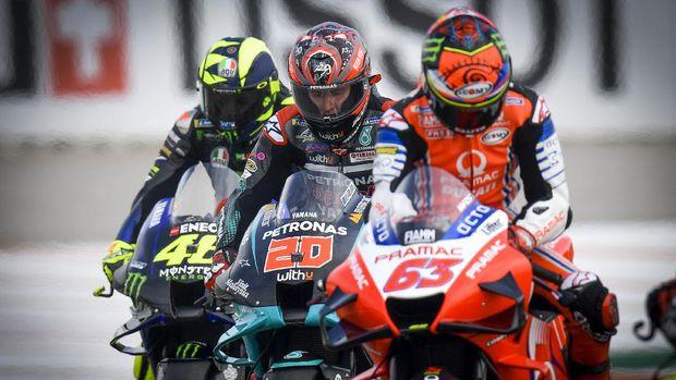 Valentino Rossi, Fabio Quartararo, dan Pecco Bagnaia pada babak kualifikasi MotoGP Valencia 2020.