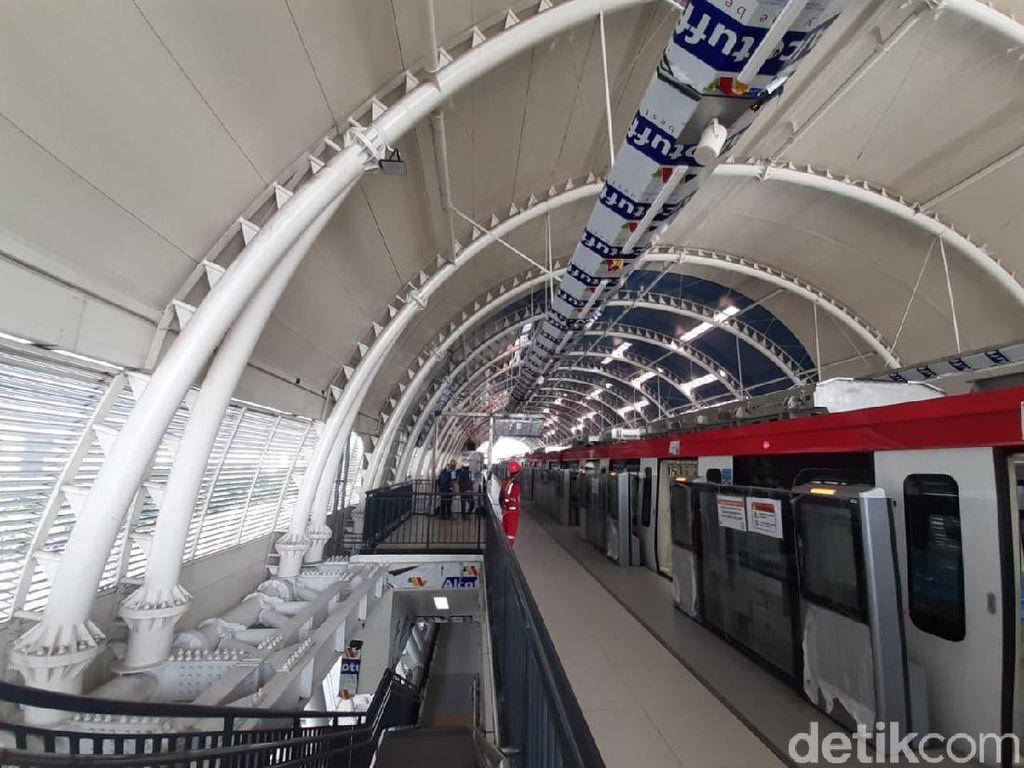 Budi Karya Minta KAI Gratiskan Tiket LRT Jabodebek untuk Pegowes