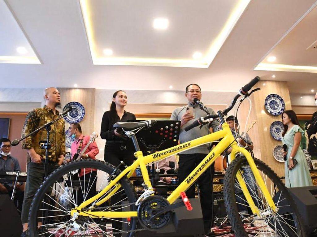 Gowes Sedang Tren, Ketua MPR Dorong Penggunaan Sepeda Dalam Negeri