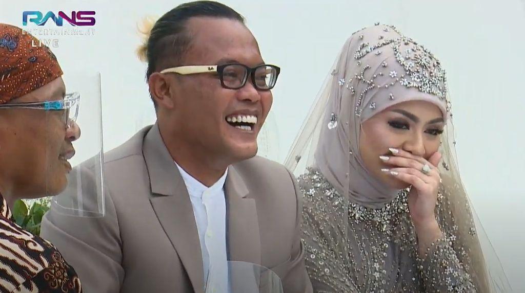 Foto-foto Momen Pernikahan Sule dan Nathalie Holscher