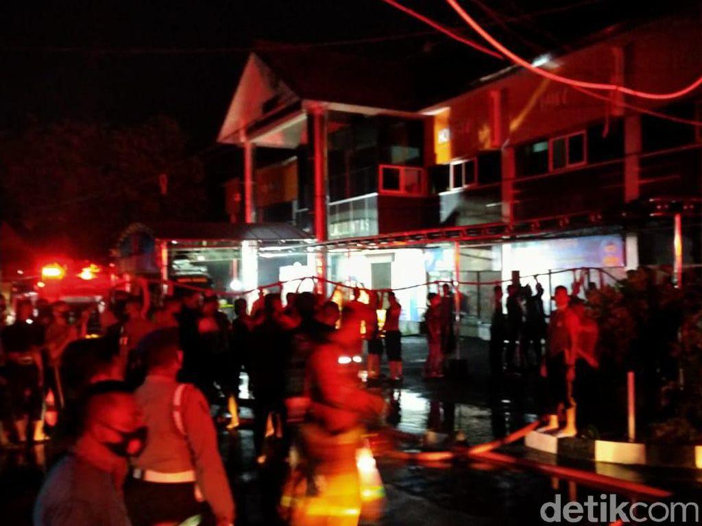 Kebakaran Ruang RTMC Polda Jatim Padam, Polisi Pastikan Pelayanan Tetap Buka