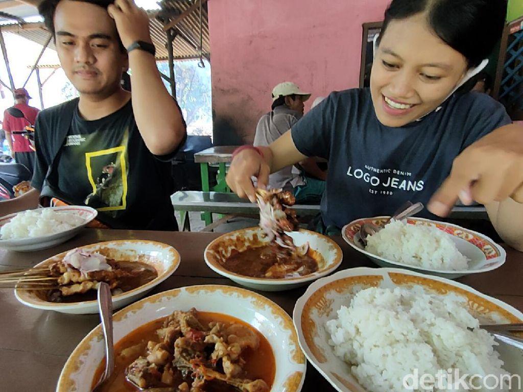 Sate Kambing dan Ayam di Kediri Cuma Rp 10 Ribu Per Porsi Lho