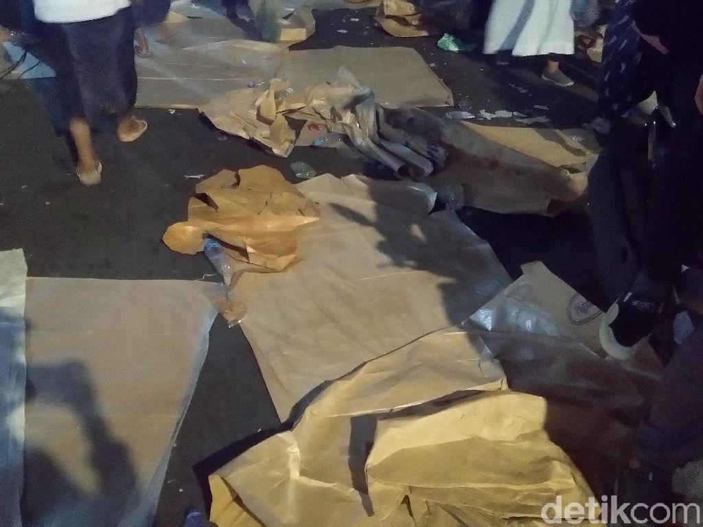 Sampah Berserakan di Sejumlah Titik Usai Maulid Bersama Habib Rizieq