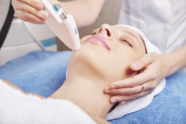 Skin Booster bisa membuat kulit terbebas dari kusam dan membuatnya tampak sehat/freepik.com