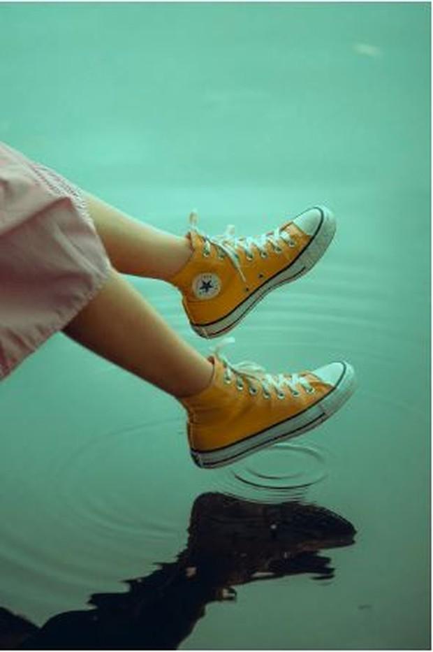 jenis sepatu sneakers