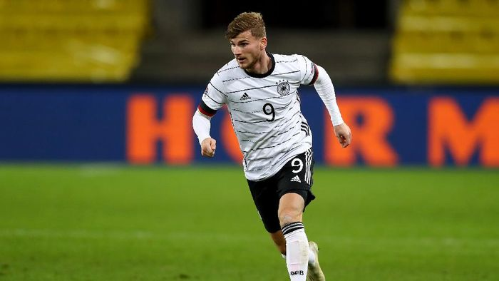 COLOGNE, GERMANY - OCTOBER 13: Timo Werner of Germany controls the ball during the UEFA Nations League group stage match between Germany and Switzerland at RheinEnergieStadion on October 13, 2020 in Cologne, Germany. Football Stadiums around Europe remain empty due to the Coronavirus Pandemic as Government social distancing laws prohibit fans inside venues resulting in fixtures being played behind closed doors.  (Photo by Martin Rose/Getty Images)