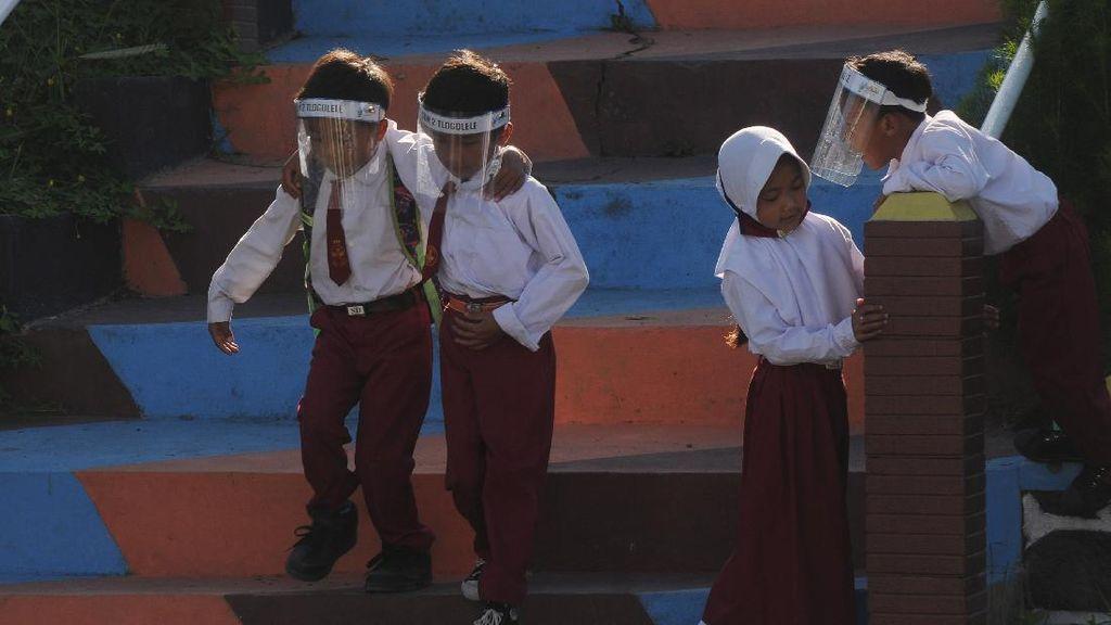 Aktivitas Sekolah di Lereng Merapi