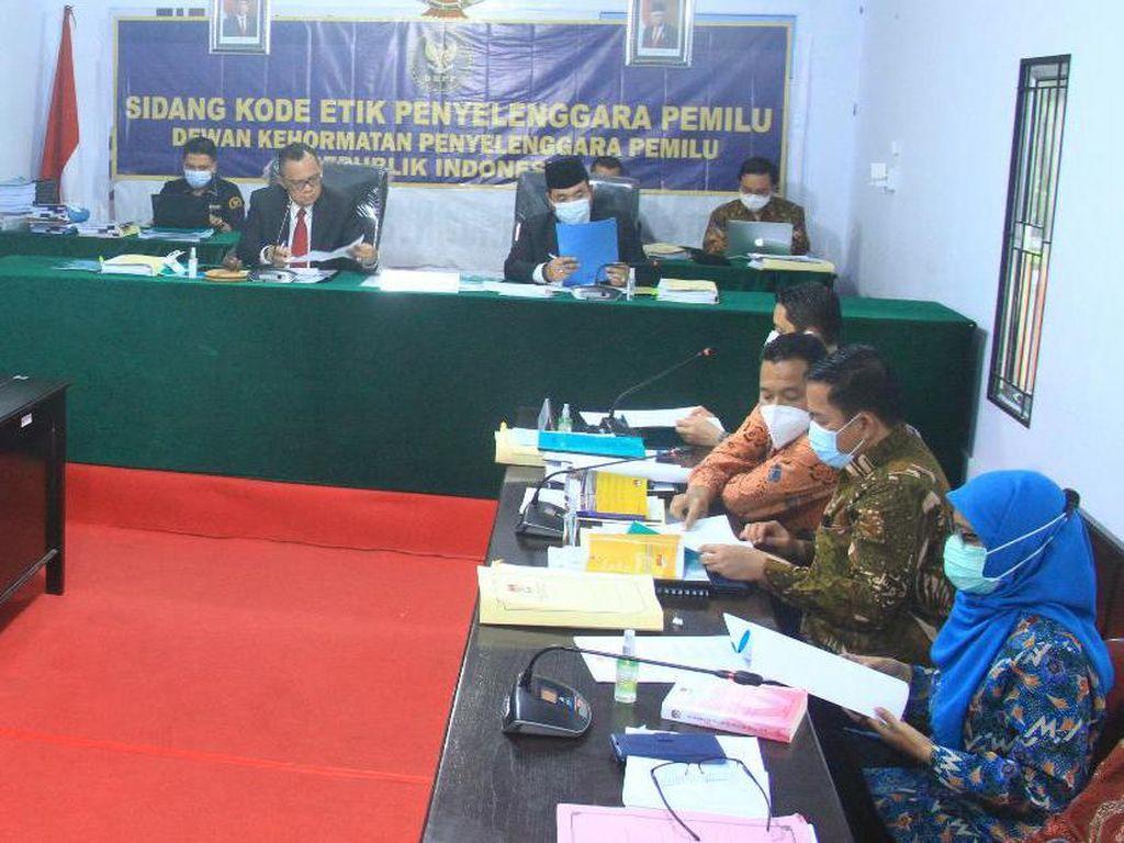 5 Komisioner KPU Bengkulu Diperiksa DKPP soal Agusrin Gagal Jadi Cagub