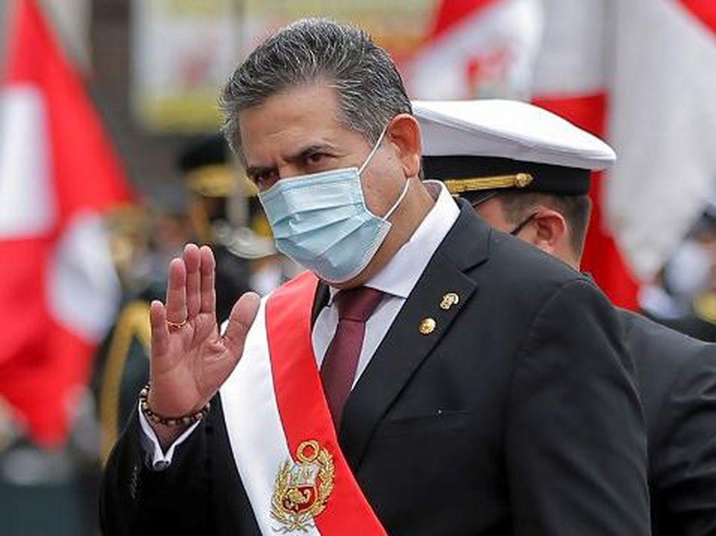 Video Presiden Peru Mengundurkan Diri Usai Demo Besar-besaran