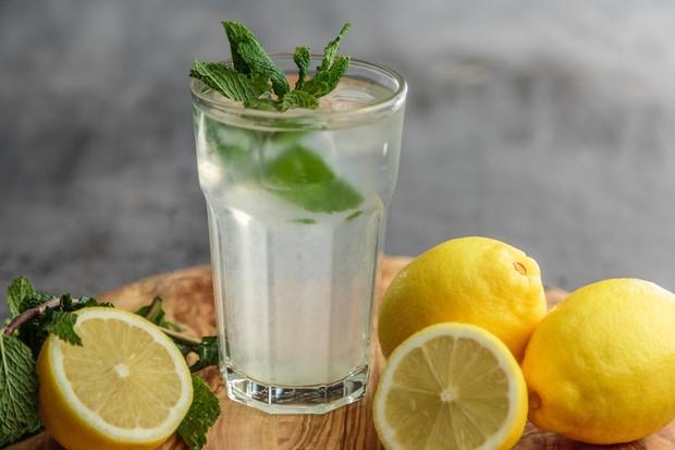 Ilustrasi air lemon