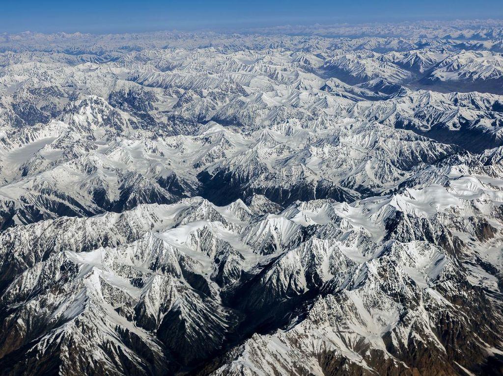 Foto Gunung Muchu Chhish, Puncak Tertinggi yang Belum Pernah Didaki