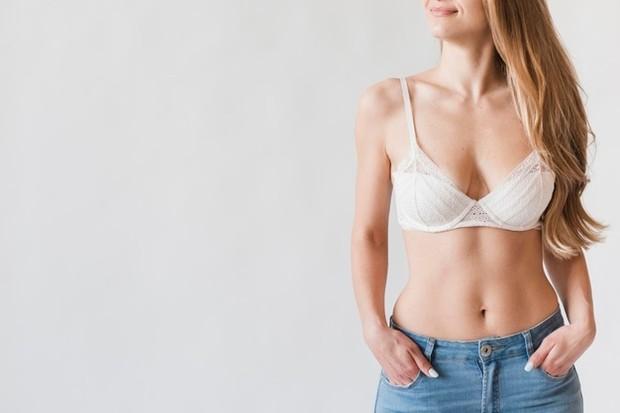 Pada dasarnya perubahan bentuk payudara yang perlahan mengendur merupakan bagian alami dari penuaan seorang wanita.