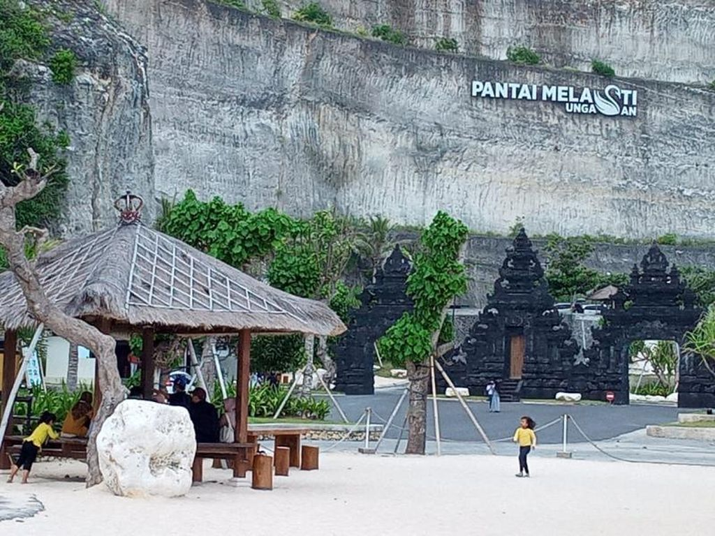 Ingin Lagi Main-main ke Pantai Melasti Bali