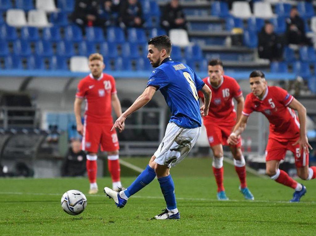 Video Kerasnya Laga Italia Vs Polandia: Gli Azzurri Menang 2-0