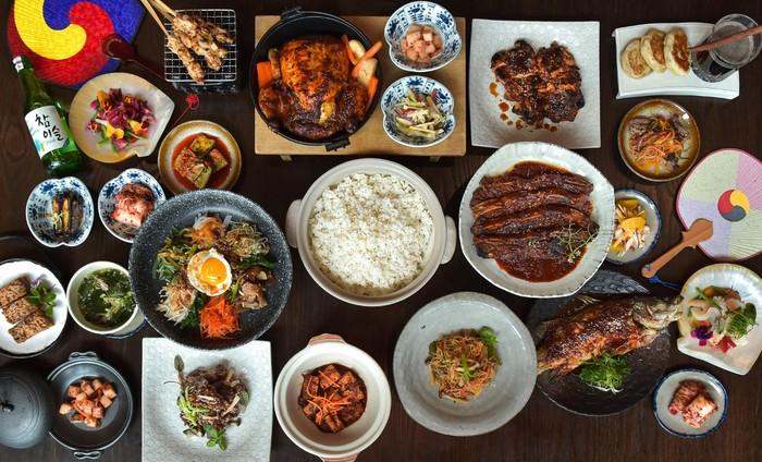 Kangen Korea? Kamu Bisa Makan Bibimbap  dan Gochujang Chicken di Sini