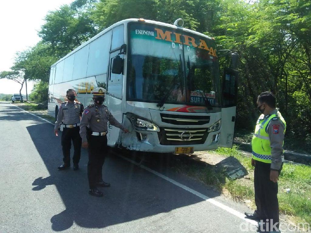 Bus Tabrak Motor Ditumpangi Satu Keluarga di Madiun, Bapak dan Anak Tewas