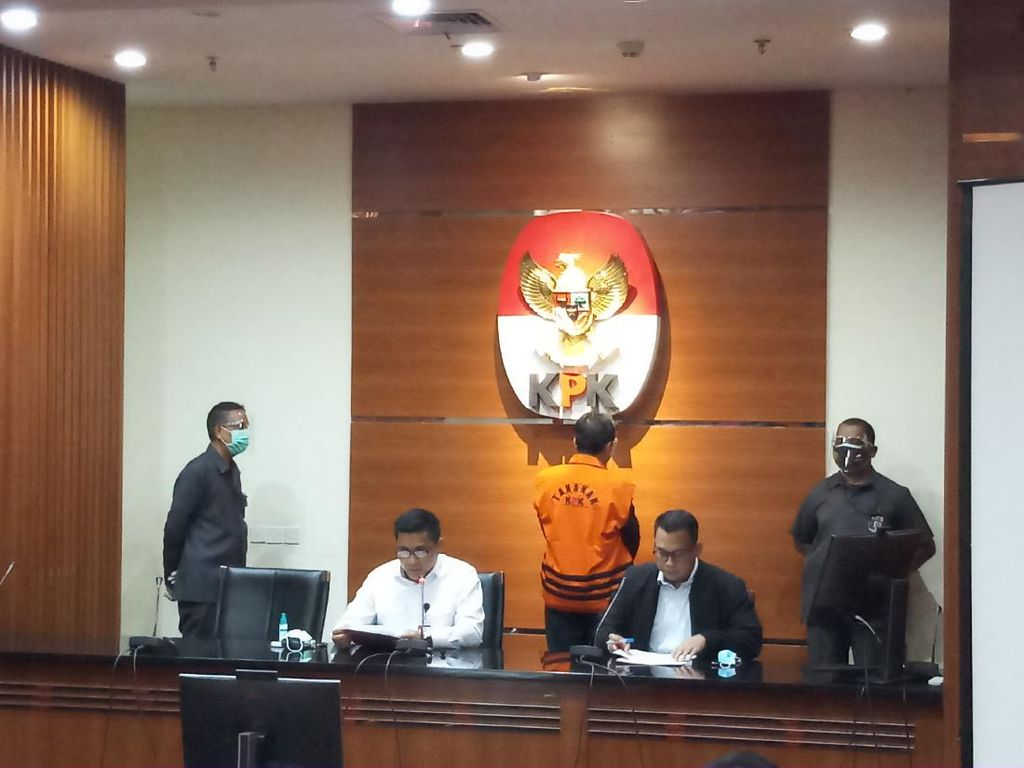 Jadi Tersangka, Eks Anggota DPRD Jabar Abdul Rozak Diduga Terima Duit Rp 8,5 M