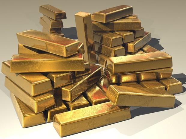 membeli emas