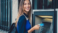 Selain Kantor Cabang, Nasabah Bank Juga Mulai Tinggalkan Layanan ATM Nih!