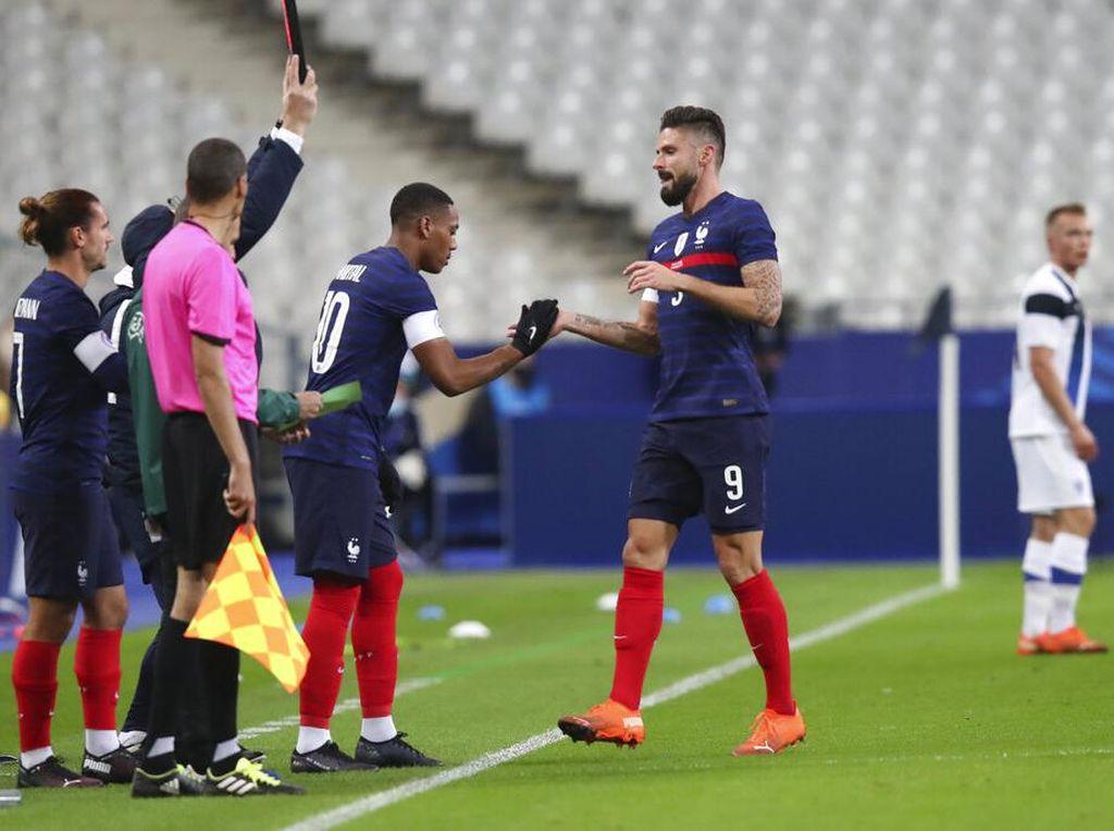 Ketika Giroud Bukan Lagi Anak Emas Deschamps