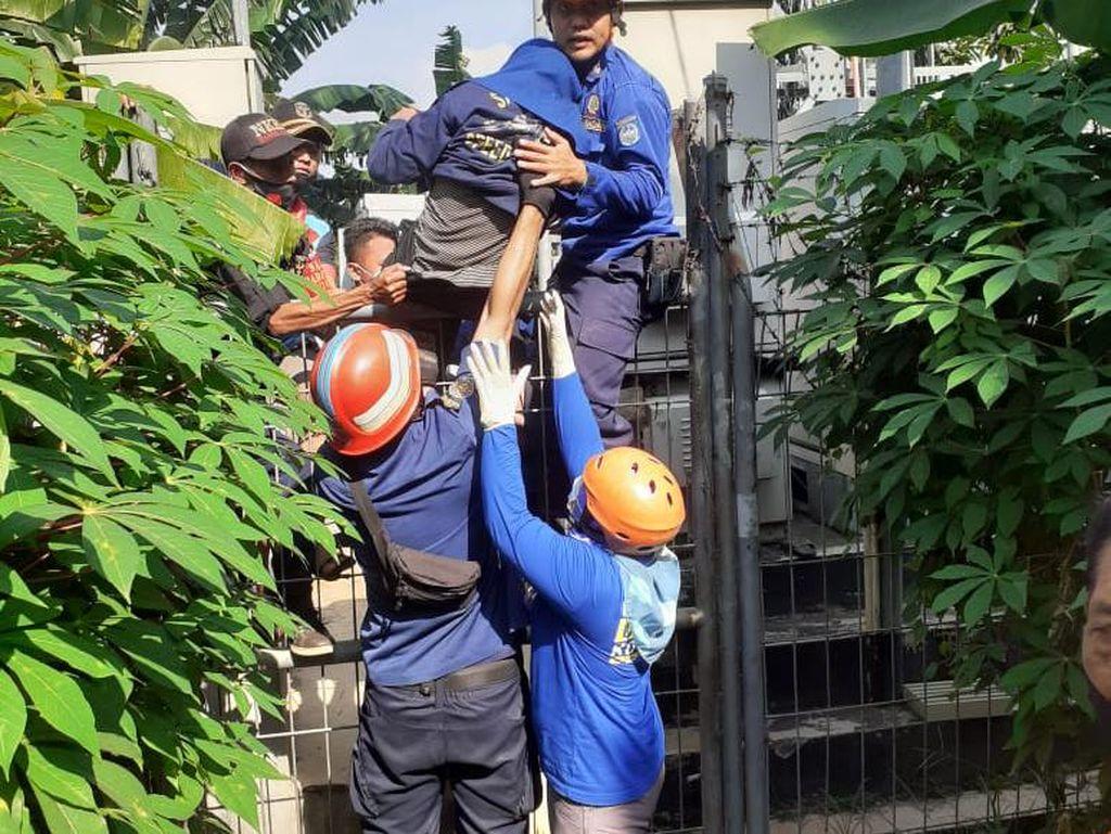 Wanita Mau Lompat dari Tower 30 M di Depok Pernah Coba Tabrakkan Diri ke KA