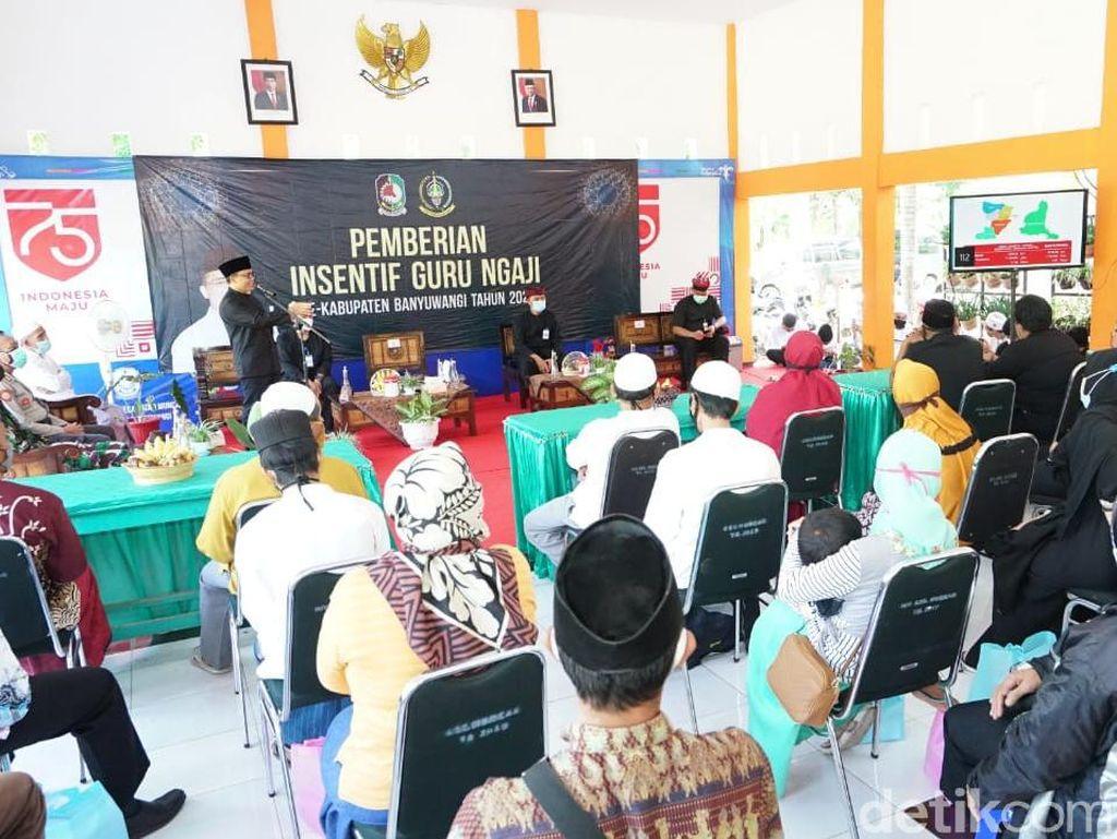 Bupati Anas Ajak Guru Ngaji Bangun Optimisme di Tengah Pandemi COVID-19