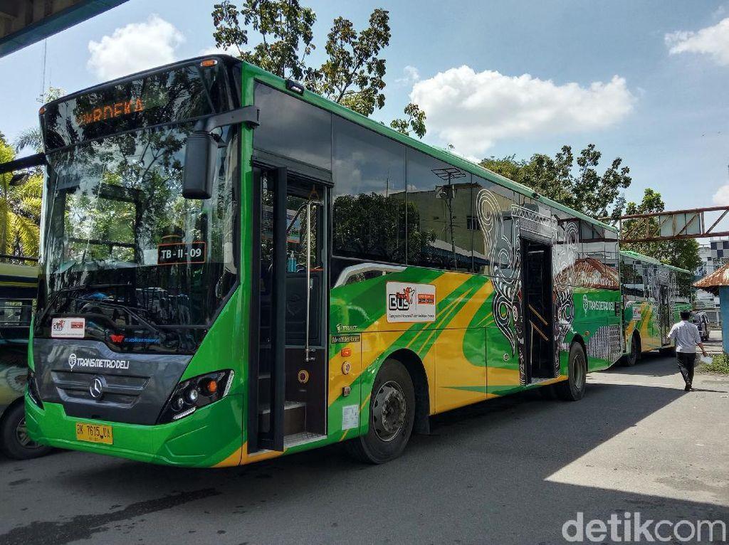 Geger Kaca Bus Transmetro Deli Medan Diduga Ditembak, Begini Faktanya